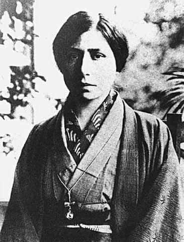 श्रीअरविंद आश्रम की श्री माँ का जापान का चित्र
