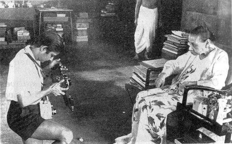 श्रीअरविंद आश्रम की श्री माँ तारा जौहर के साथ